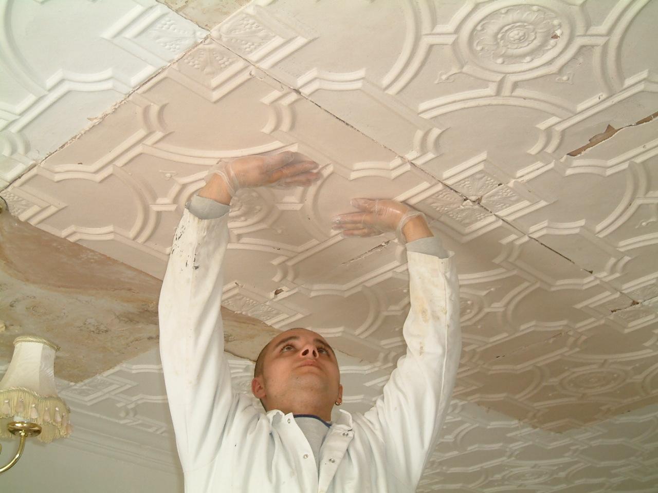 installing plaster tiles