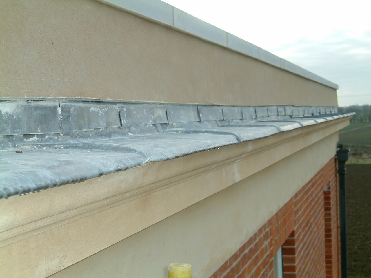 parrapet cornice and freize